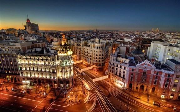 Madrid-City-at-Night (633 x 396).jpg